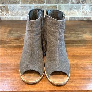 Toms Majorca Peep Toe Heels size 9